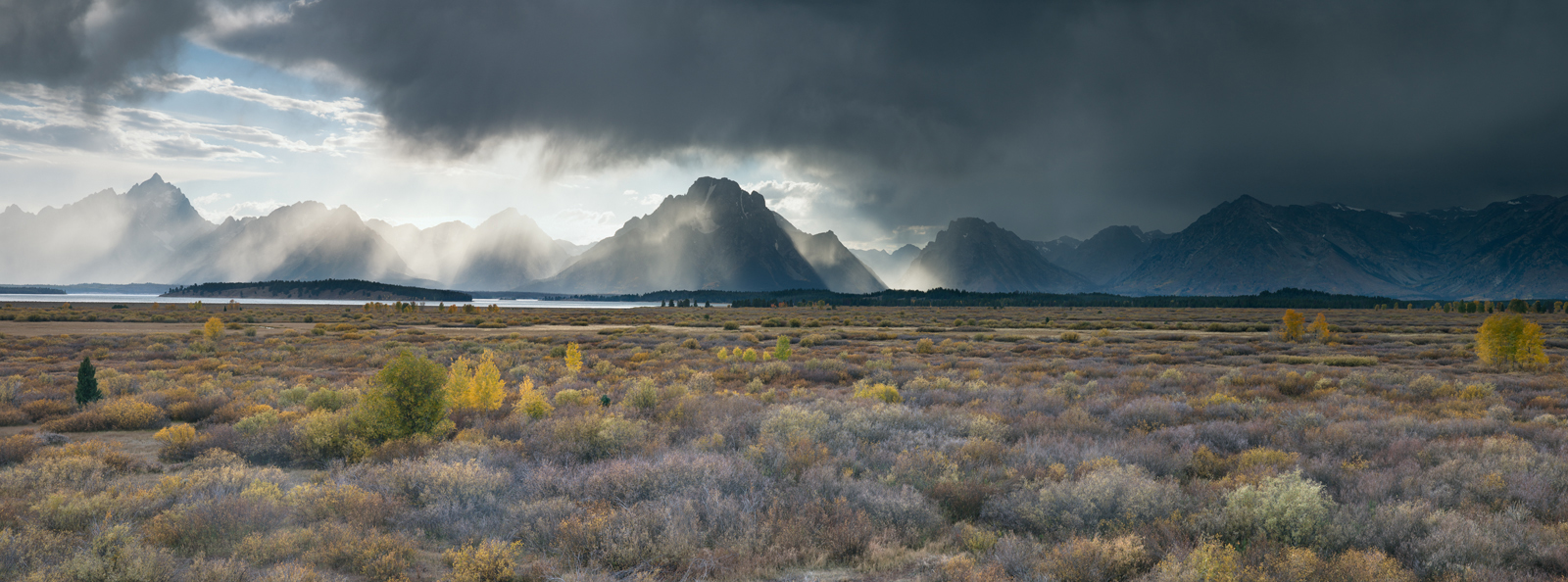 Panoramic, landscape, Grand Teton, Autumn, fall colors, storm, light, clouds, panoramique, paysage, orage, automne, photo